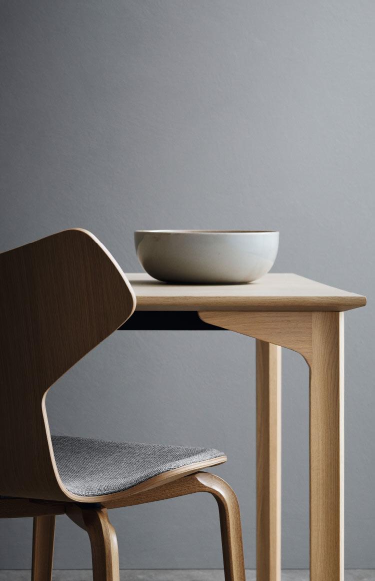 Fritz Hansen Grand Priz chair by Arne Jacobsen