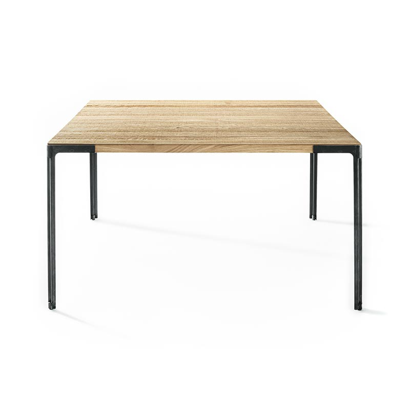 Desalto Fan 140x140cm Table by Piero Lissoni