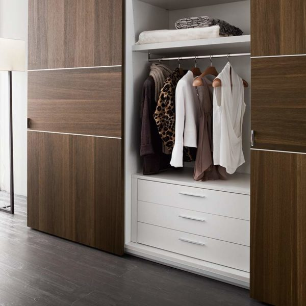 Air Sliding Wardrobe