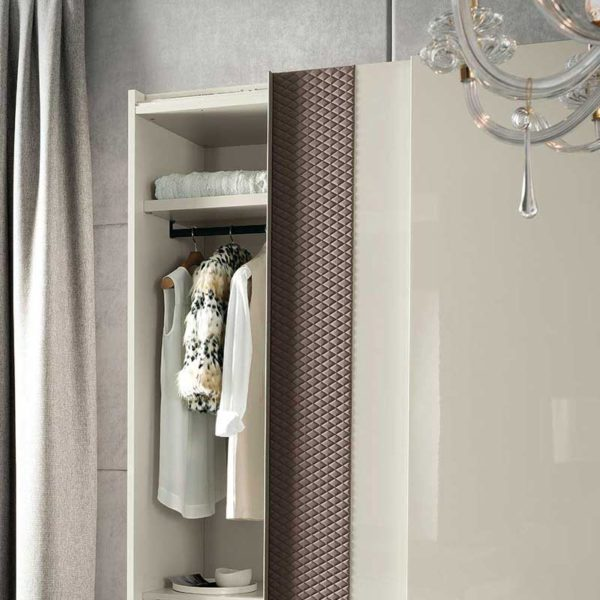 Nightfly Sliding Wardrobe