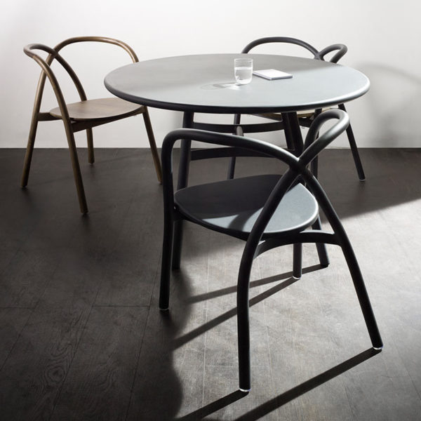 Ming ⌀70cm Round Café Table