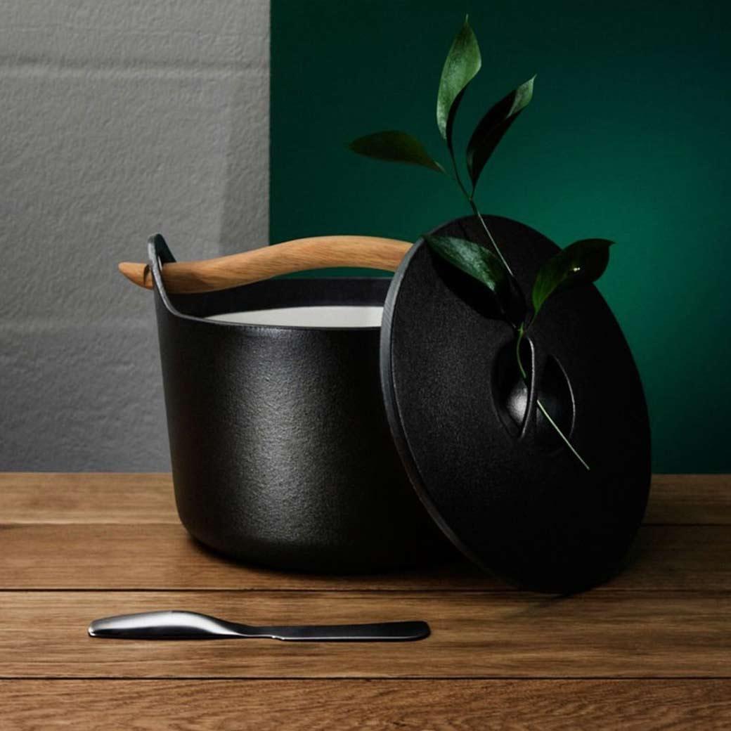 Olson and Baker blog image Design Icon | The Sarpaneva Cast Iron Pot for