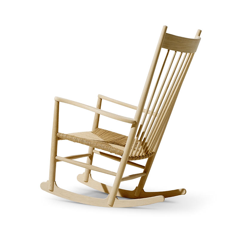 Fredericia J16 Rocking Chair in Natural paper cord by Hans Wegner (2)