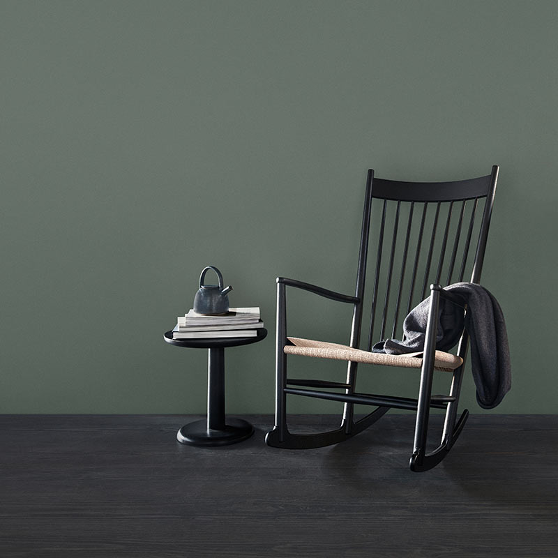 Fredericia J16 Rocking Chair in Natural paper cord by Hans Wegner (6`)