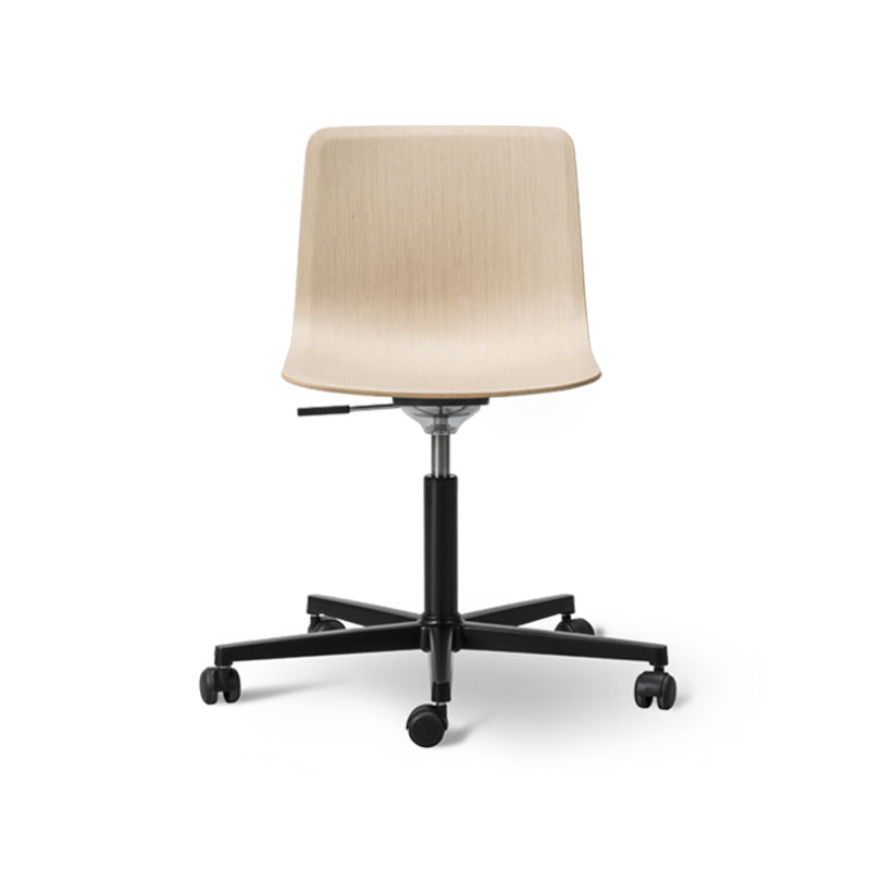 Fredericia Pato Veneer Office Chair with Swivel Base on Castors by Gudmundur Ludvik, Hee Welling