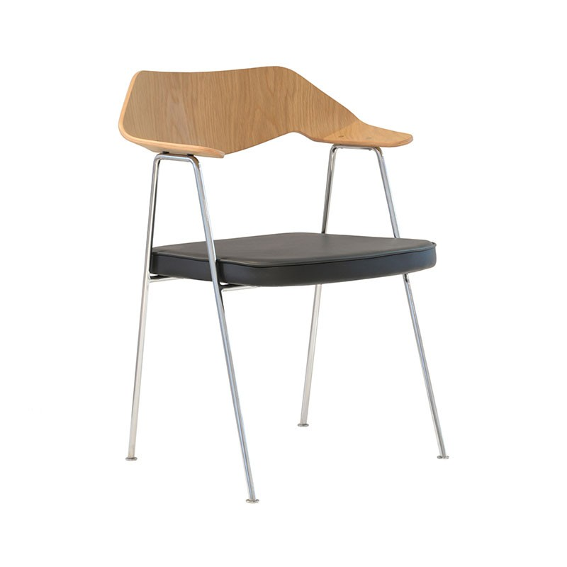 Case Furniture 675 Chair by Robin Day