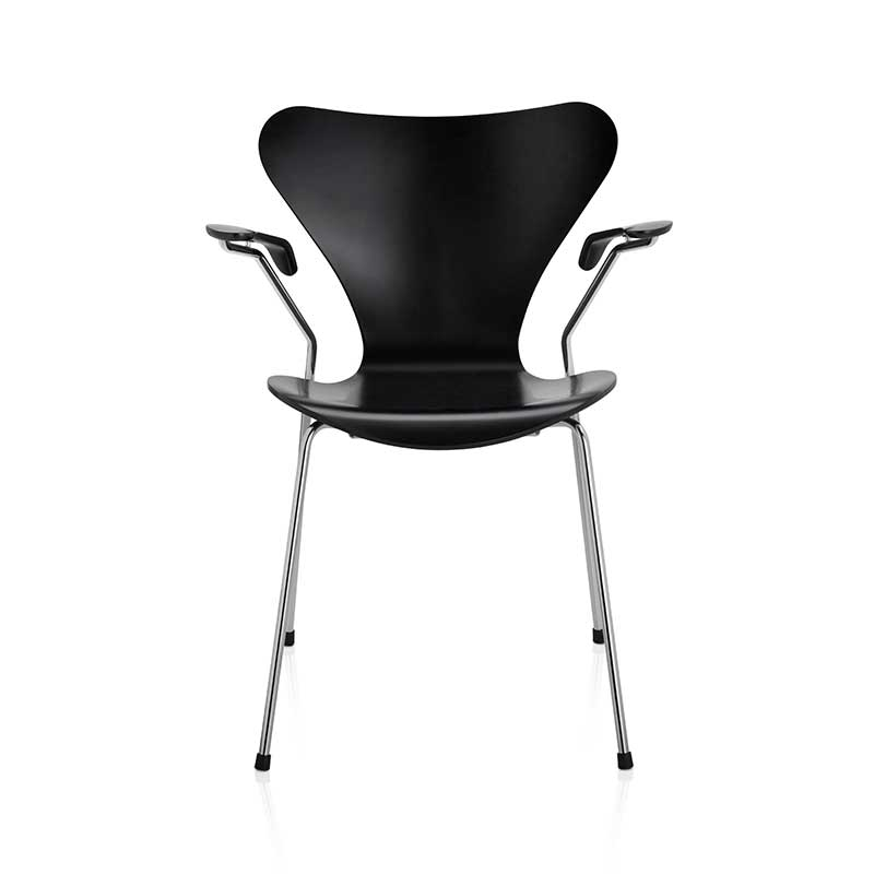 Fritz Hansen Series 7 Armchair by Arne Jacobsen