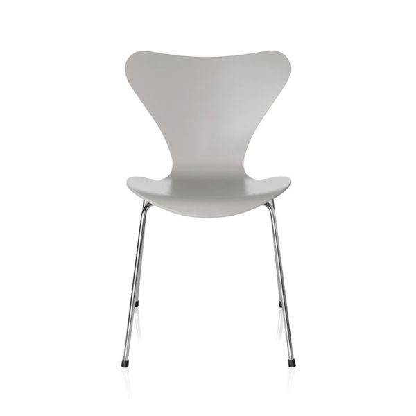 Series 7 Chair in Lacquered Ash