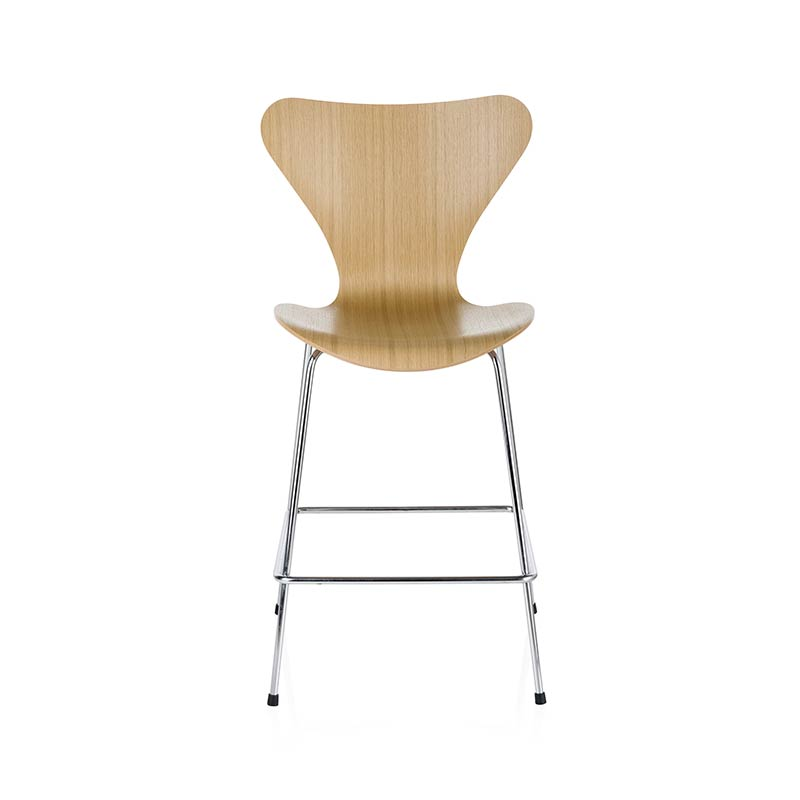 Fritz Hansen Series 7 Low Bar Stool by Arne Jacobsen