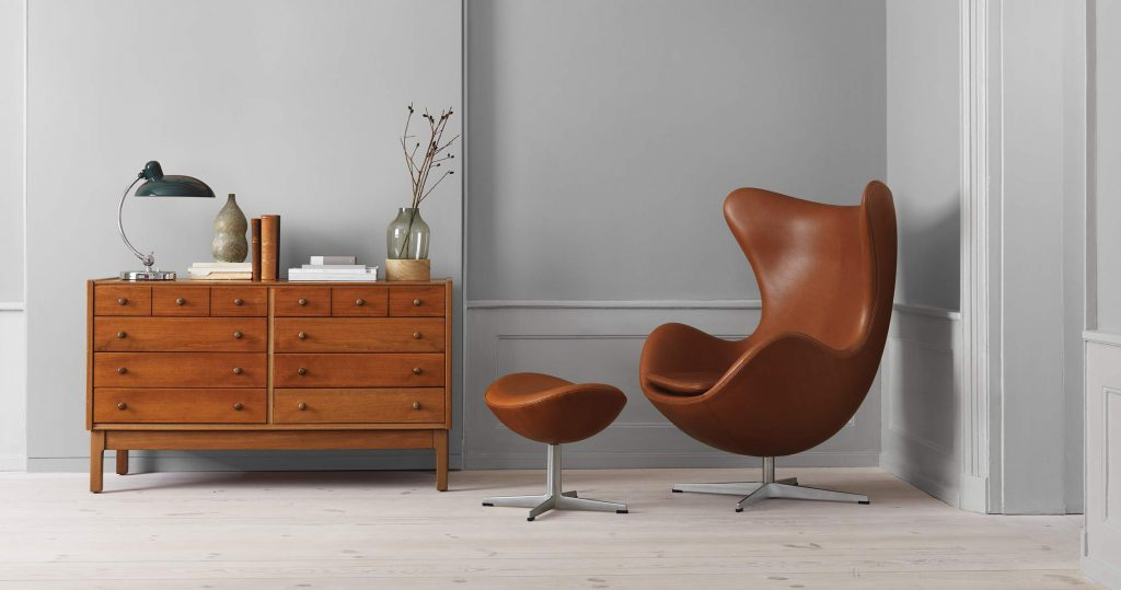 Fritz Hansen egg chair Arne jacobsen lifestyle