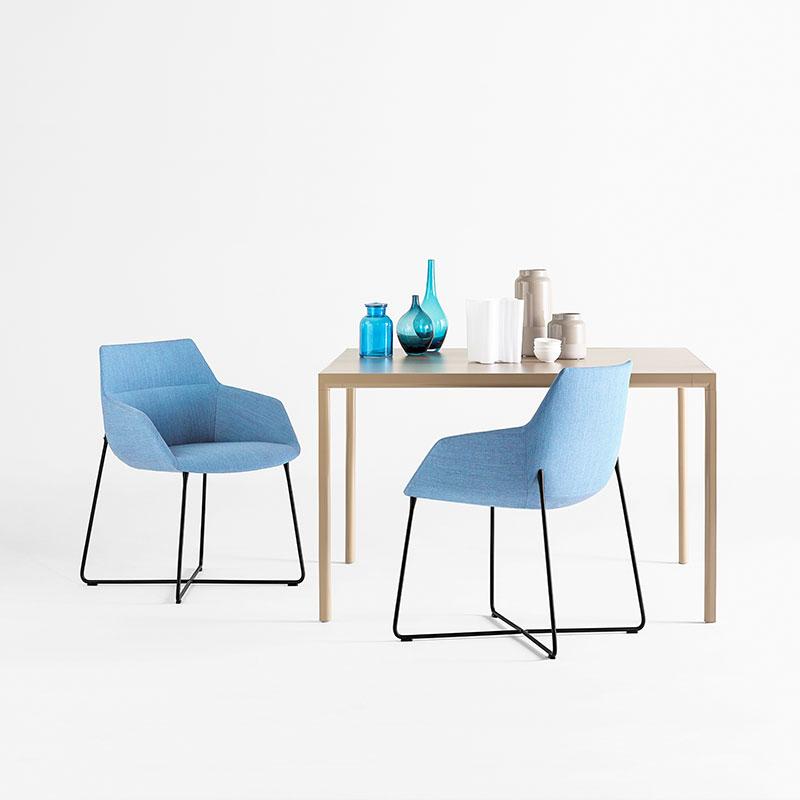 Inclass Sui 80x120cm Table by Carlos Tíscar