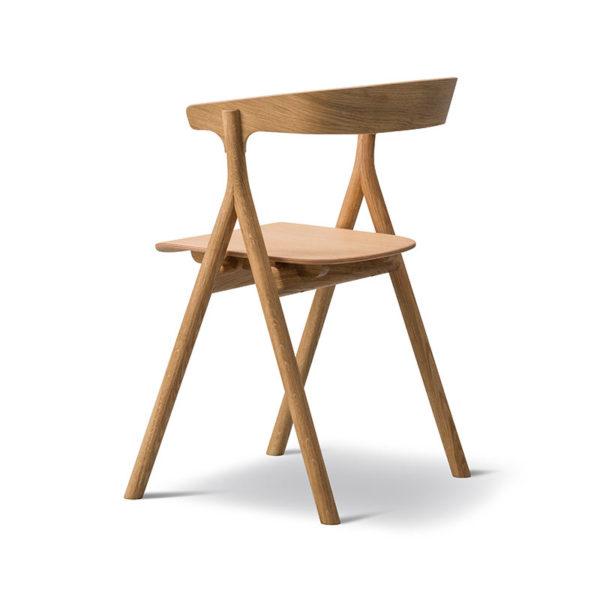 YKSI Chair