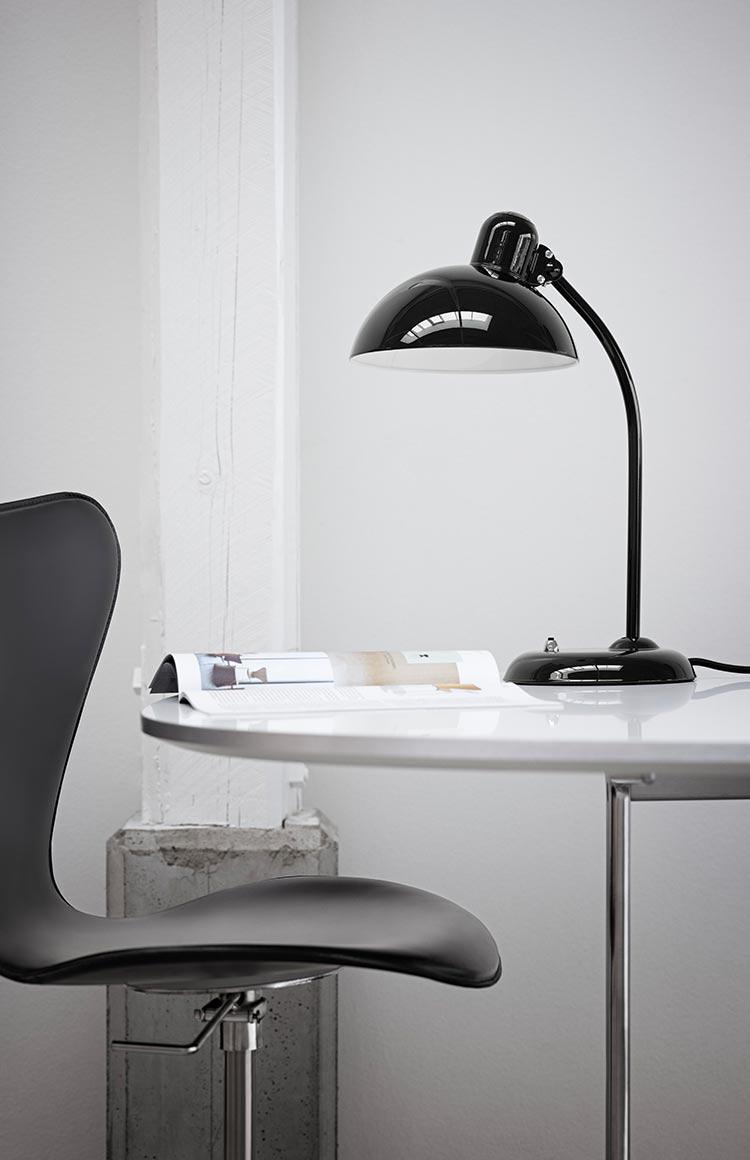 Fritz hansen kaiser idell lamp lifestyle