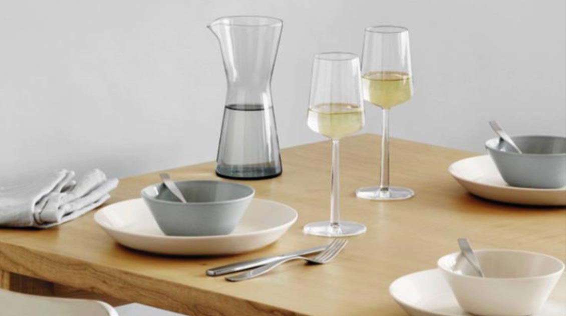 Iittala Essence wine glasses lifestyle 1