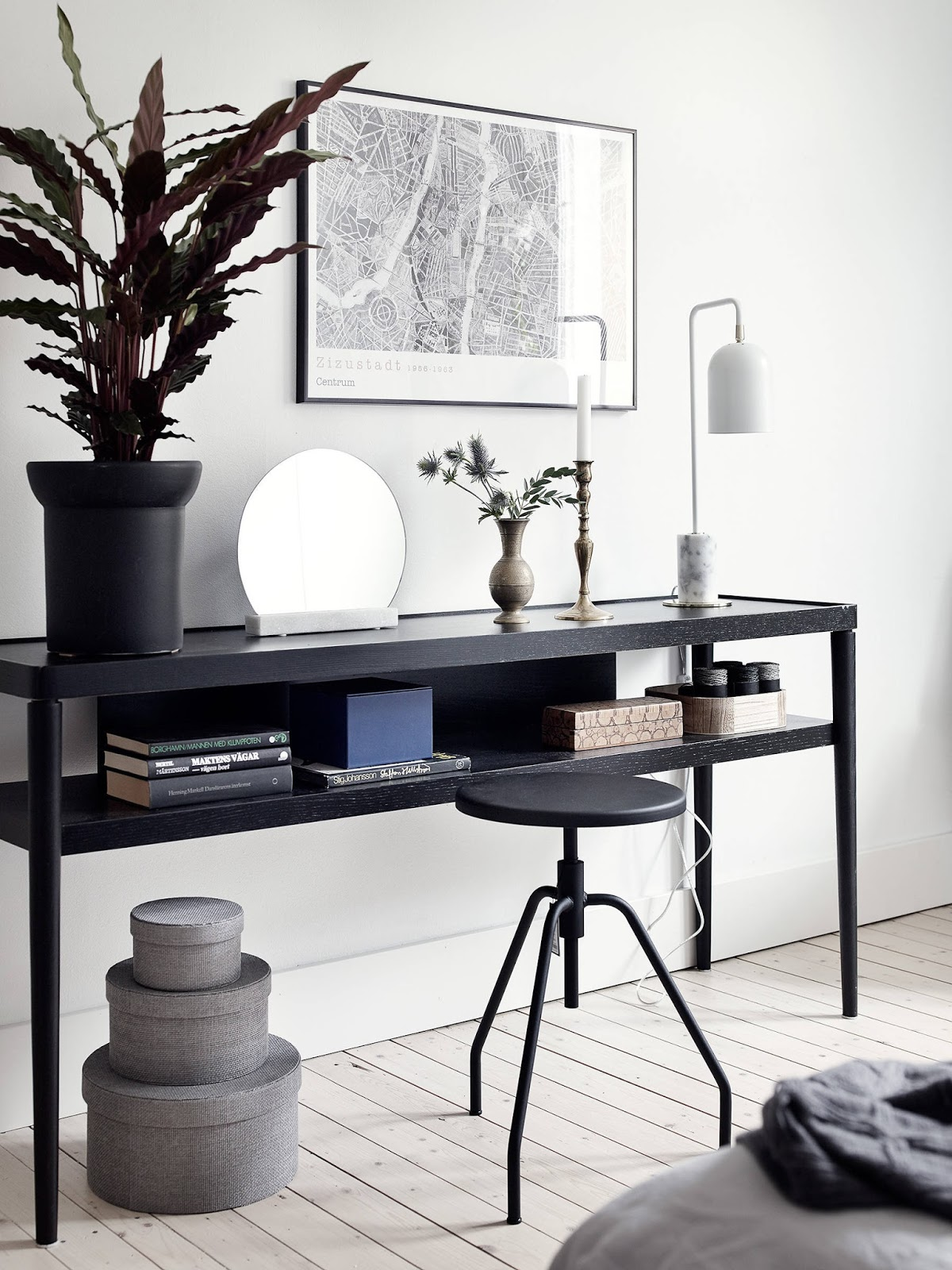 Cosy-Scandinavian-Interior-Inspiration-Popular-Pins-Get-the-Look-Desk