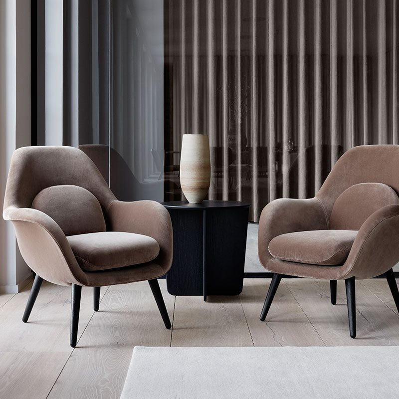 Fredericia Swoon Lounge Petit Lifeshot 01 Olson and Baker - Designer & Contemporary Sofas, Furniture - Olson and Baker showcases original designs from authentic, designer brands. Buy contemporary furniture, lighting, storage, sofas & chairs at Olson + Baker.