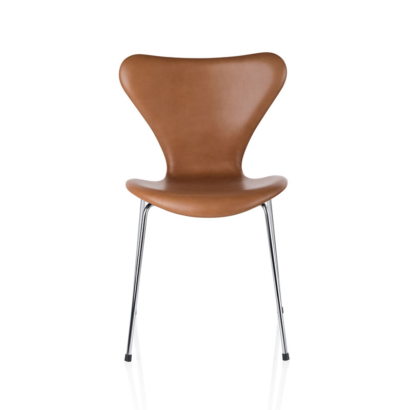 Fritz Hansen Series 7 Fully Upholstered Chair by Arne Jacobsen