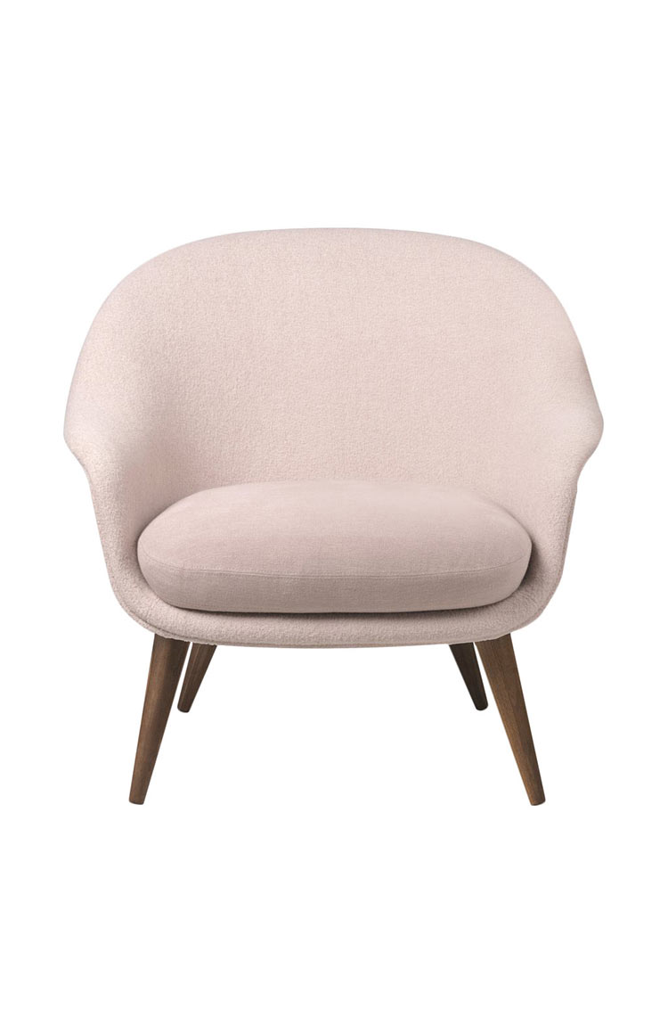 Gubi Bat Chair lifestyle 735
