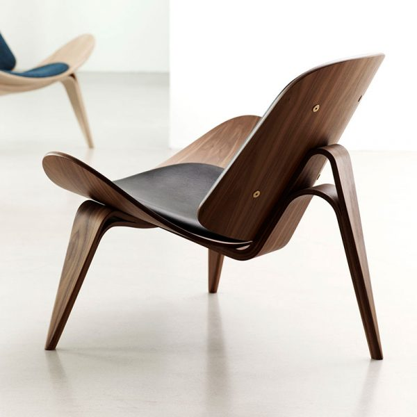 CH07 Shell Lounge Chair