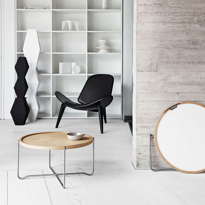 Carl Hansen CH07 Shell Lounge Chair life 6 Olson and Baker - Designer & Contemporary Sofas, Furniture - Olson and Baker showcases original designs from authentic, designer brands. Buy contemporary furniture, lighting, storage, sofas & chairs at Olson + Baker.