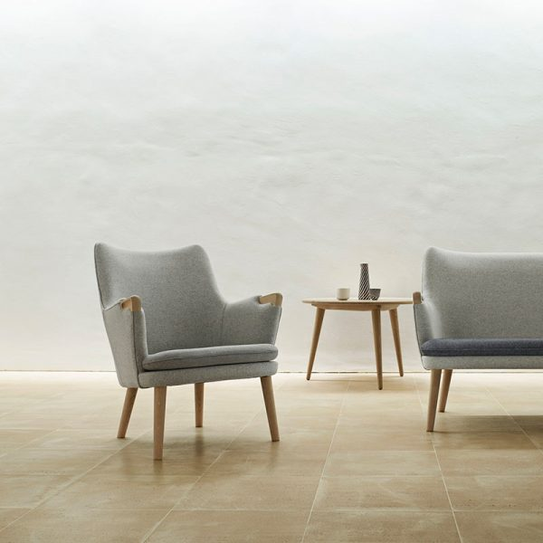 CH71 Lounge Chair with Loose Seat Cushion