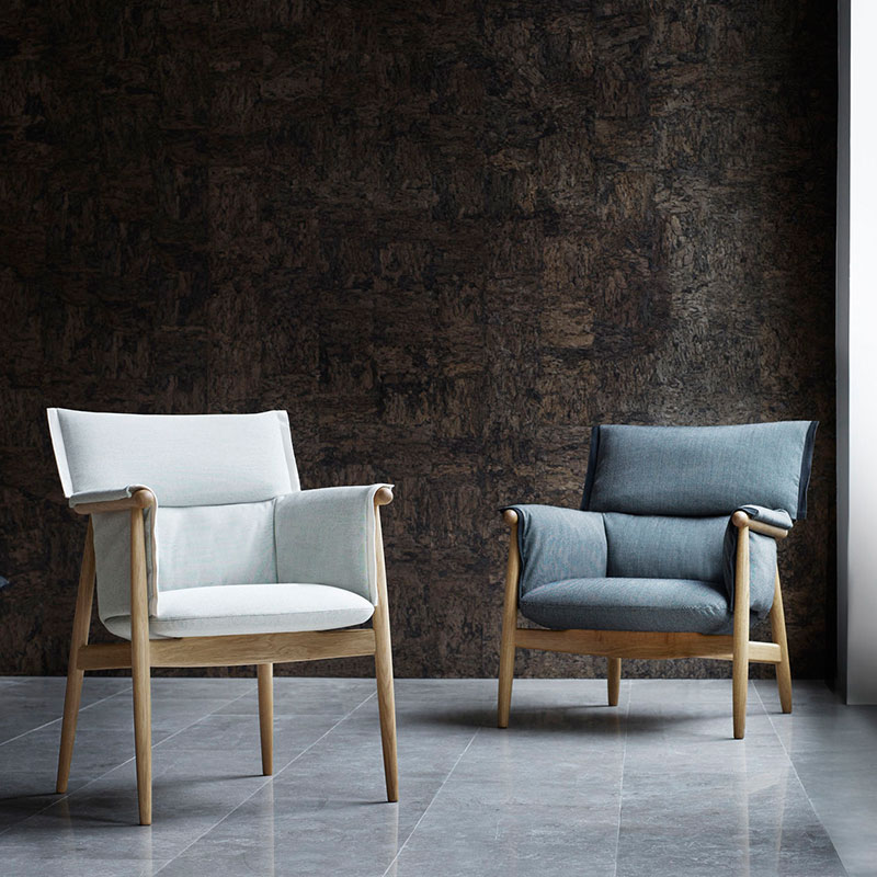 Carl Hansen E005 Embrace Armchair by E00S life 3 Olson and Baker - Designer & Contemporary Sofas, Furniture - Olson and Baker showcases original designs from authentic, designer brands. Buy contemporary furniture, lighting, storage, sofas & chairs at Olson + Baker.