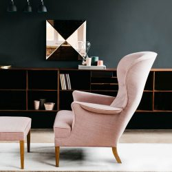 Carl Hansen FH419 Heritage Lounge Chair by Frits Hanningsen life 3