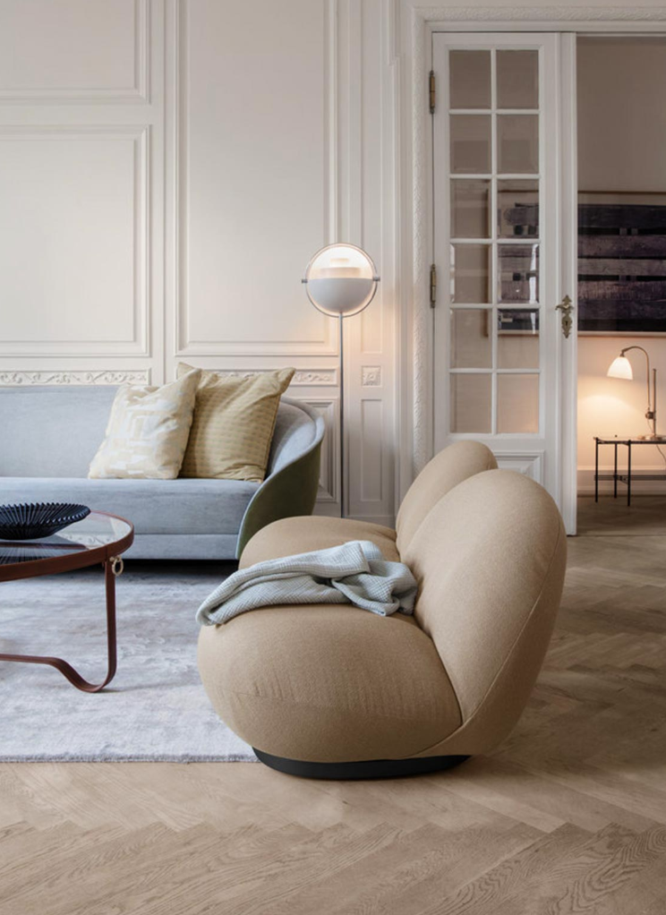 Olson and Baker-Buying a Sofa Online Blog-Revers Sofa by Gubi