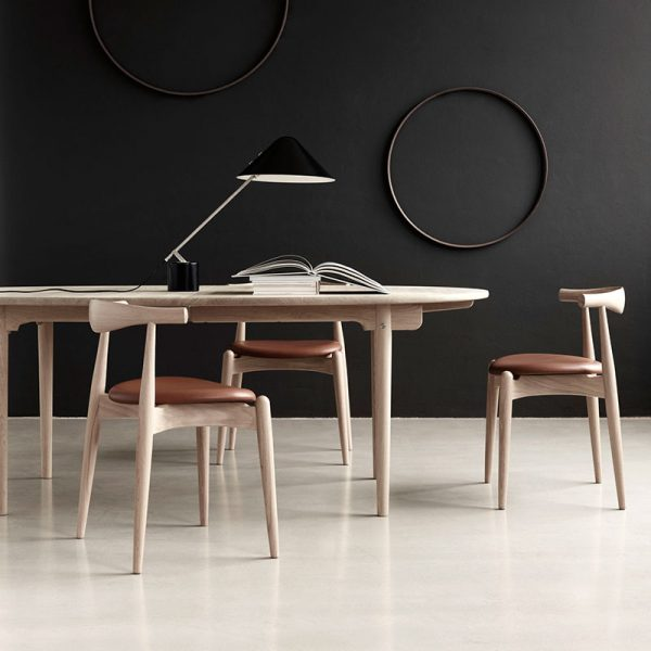 CH338 Oval 200-440x115cm Extendable Dining Table