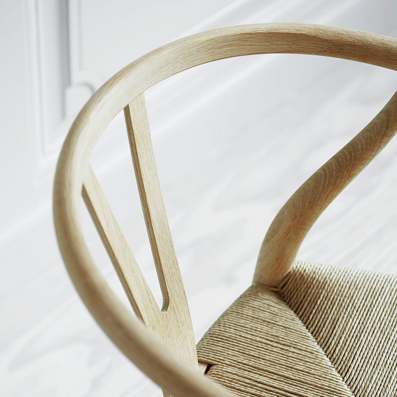 How to spot replica wishbone chair