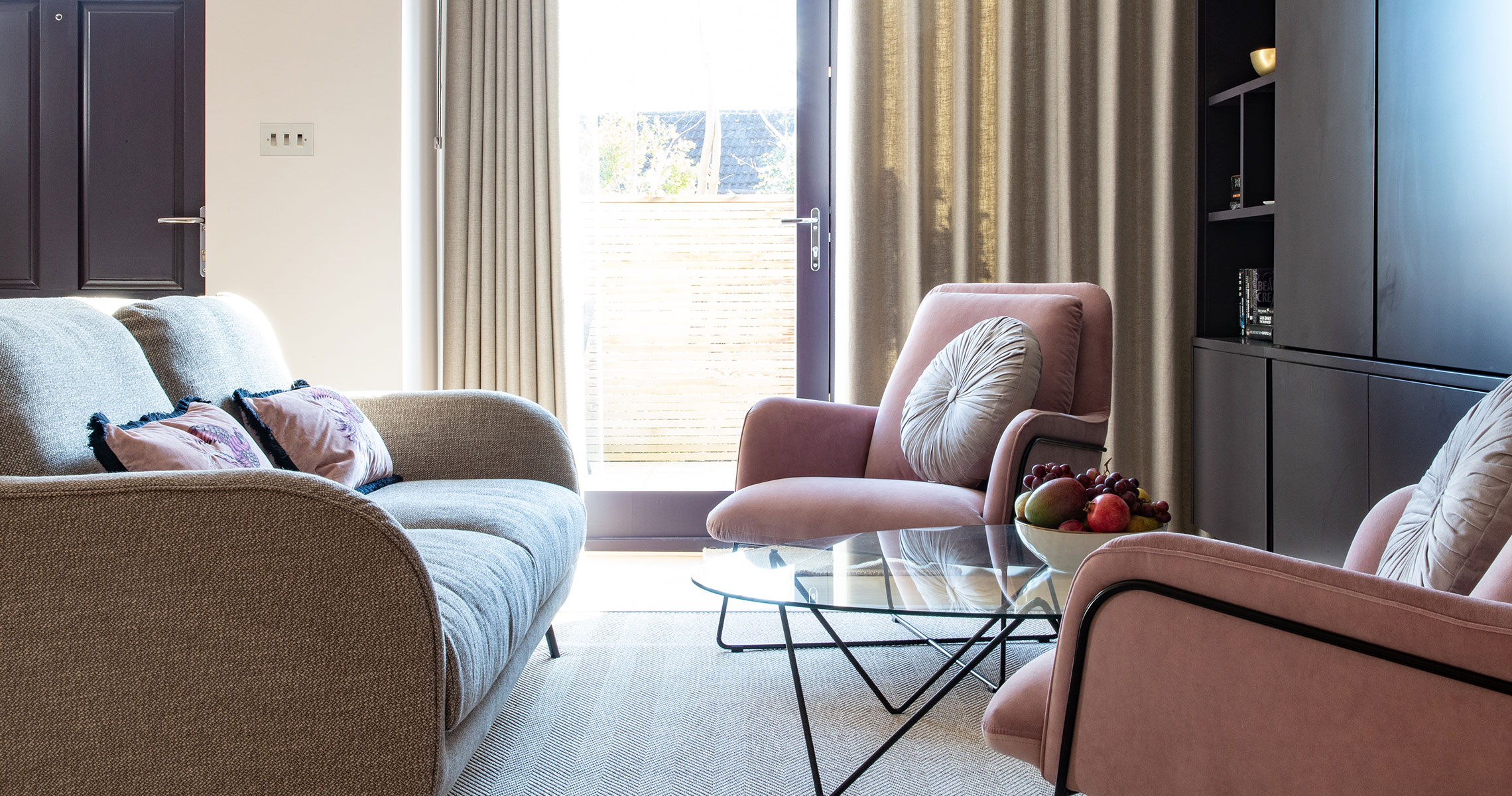 Clair-Strong-Interior-Design-Olson-and-Baker-Cotswolds-Residential-Wide-Lounge