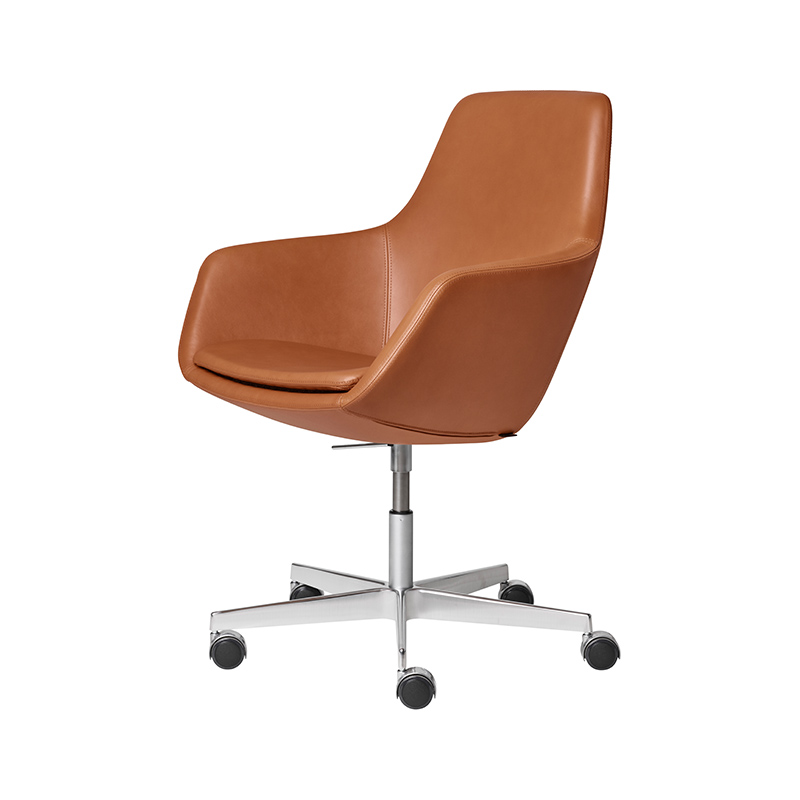 Fritz Hansen Little Giraffe Chair with Swivel Base by Arne Jacobsen Olson and Baker - Designer & Contemporary Sofas, Furniture - Olson and Baker showcases original designs from authentic, designer brands. Buy contemporary furniture, lighting, storage, sofas & chairs at Olson + Baker.