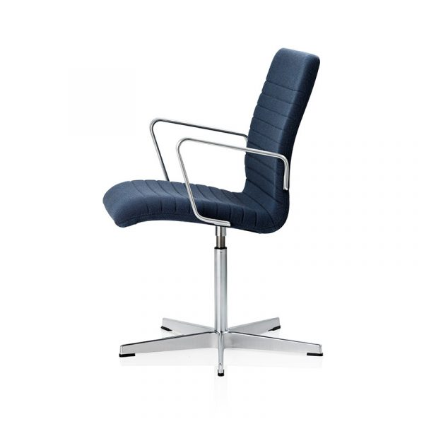 Oxford Premium Low Back Armchair with Fixed Swivel Base