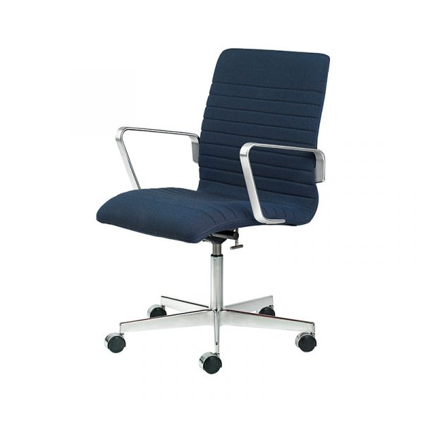 Oxford Premium Low Back Armchair with Swivel Base on Castors